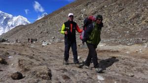 Tensing führt Andy Richtung Mt. Everest Basecamp