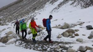 Flo führt Andy, Klemens und Wolfi in Richtung Mittelcamp