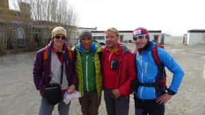 Nancy Hansen, Ralf Dujmovits, Andy und Flo in Thingri