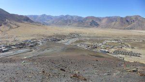 Xegar auf 4.350 m - ca. 80 km vor dem Everest Basislager (Foto Wolfgang Klocker)