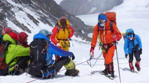 Klemens mit Andy auf 7000m am Weg zum Nordsattel (Foto Wolfgang Klocker)
