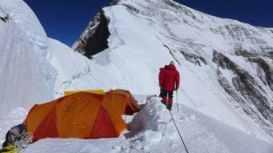 Unser Camp 1 am Nordsattel auf 7.067m (Foto Wolfgang Klocker)