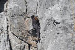 Andy klettert die Erstbesteigung Foto: Sigi Brachmayer