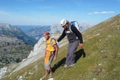 Sigi mit Andy beim Abstieg. Foto: Robert Joelli