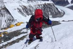Gipfelsturm - Andy im Aufstieg zum Lager 3 (Foto Wolfgang Klocker)