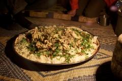 Unsere einheimischen Freunde kochen vorzüglich für uns (Foto: Daniel Kopp)