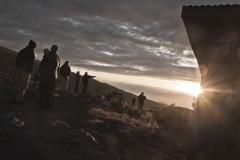 Team mit Sonnenuntergang (Foto: Andreas Scharnagl)