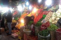 Viele Obst und Gemüsesorten am Basar (Sabine Holzer)