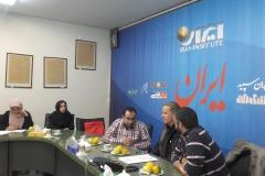 Andy bei einer Pressekonferenz bei einer der grössten Tageszeitungen des Iran (Sabine Holzer)