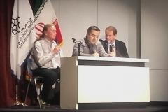 Die anschließende Diskussion mit dem Publikum in Teheran, übersetzt von unserem Dolmetscher Ali, wollte kein Ende nehmen (Sabine Holzer)