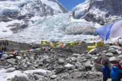 Mt. Everest Basislager mit Khumbueisbruch im Hintergrund (Foto: Wolfgang Klocker)