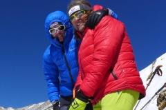 Flo mit Andy am Akklimatisierungsgipfel auf 6020m (Foto: Archiv Holzer)