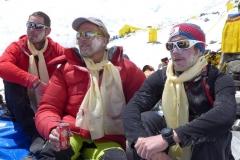 Klemens, Andy und Flo bei unserer Puja (Foto: Wolfgang Klocker)