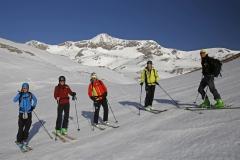 Unsere Gruppe im Landfriedtal - im Hintergrund unser Ziel die Scheichenspitze (Herbert Raffalt)