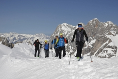 Am Westgrat zur Scheichenspitze - im Hintergrund die Dachsteinsüdwände (Herbert Raffalt)