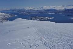 Die Skitour beginnt am Meeresspiegel (Foto: Erwin Reinthaler)